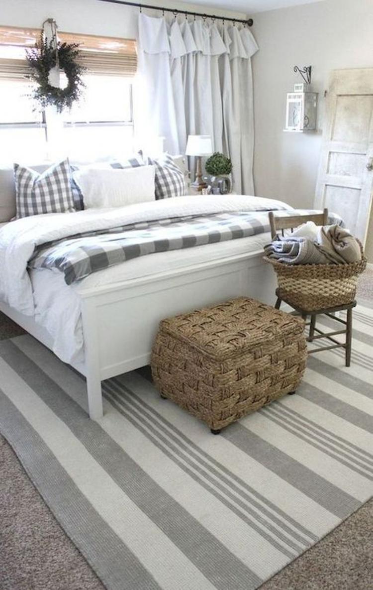 35+ cozy farmhouse master bedroom decorating ideas