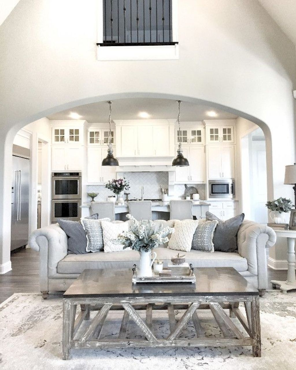 34+Comfortable Farmhouse Living Room Ideas